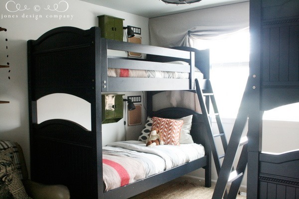 bunk-beds-and-windows