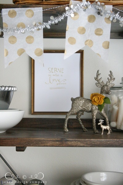 serve-in-love-glittered-deer