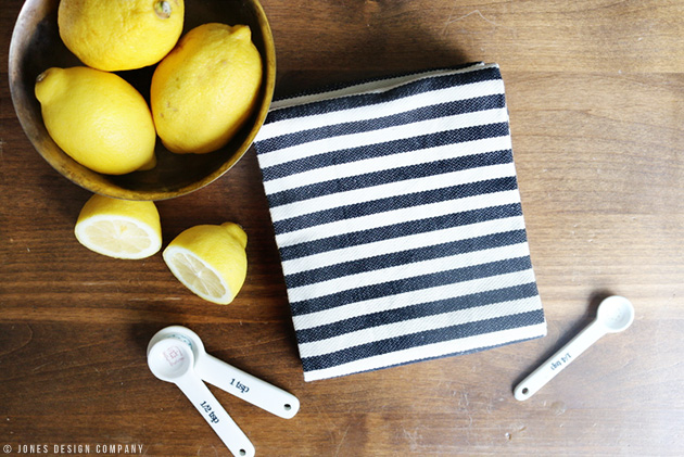 folded-dishtowel
